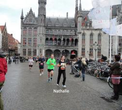 Nog even en Nathalie haalt de finish.
