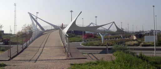 fietsersbrug over kustlaan in Knokke